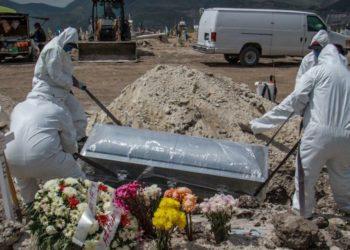 Gobierno de México alerta sobre la fase 3 y la necesidad quedarse en casa para evitar colapsar la red hospitalaria. Foto EFE