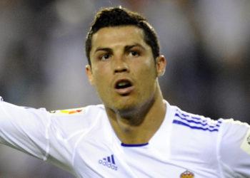 Cristiano dominó al Barcelona en la final de Copa en 2011