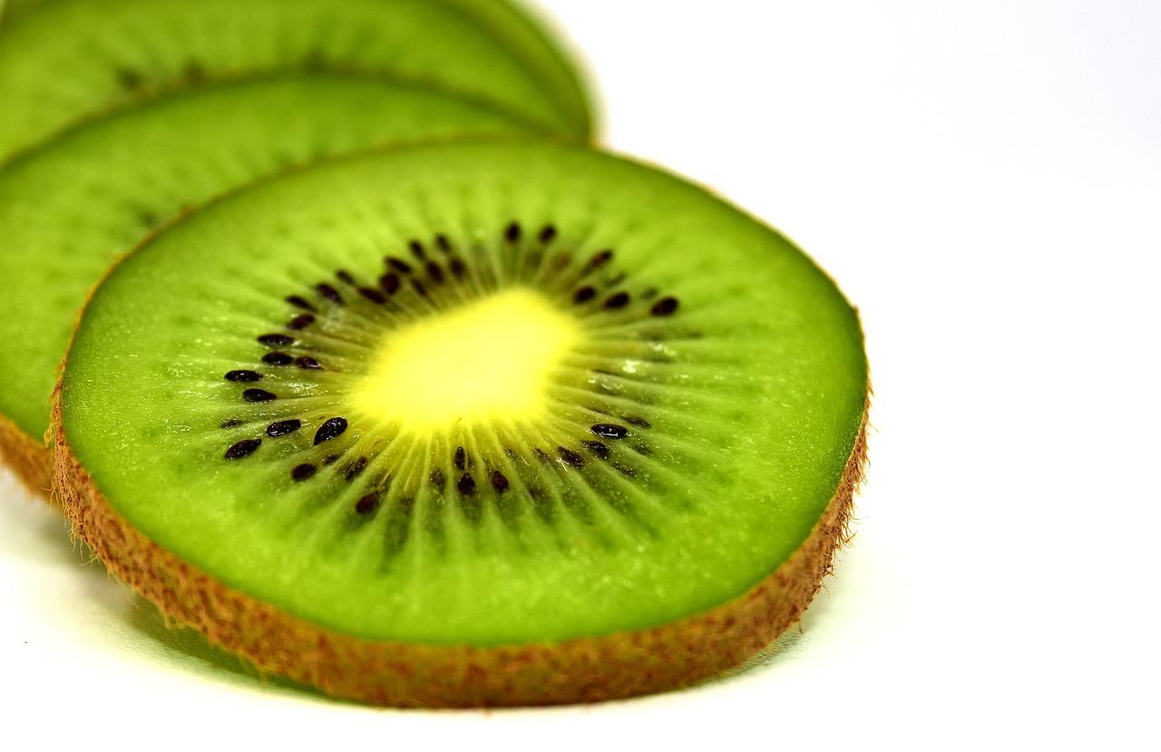 kiwi en trozos