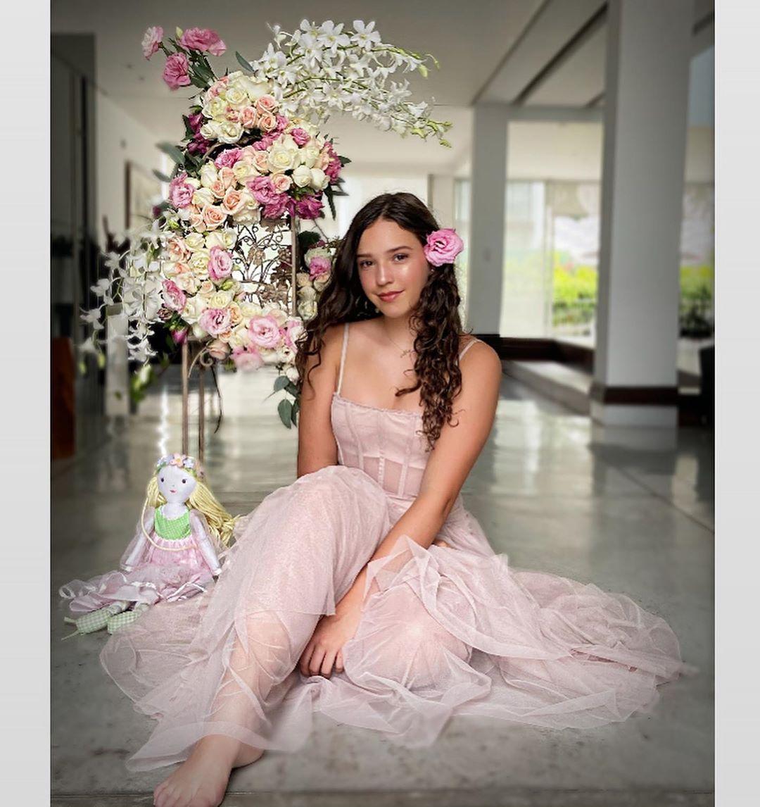 La hija de Andrea Legarreta celebro sus 15 años en medio de la cuarentena