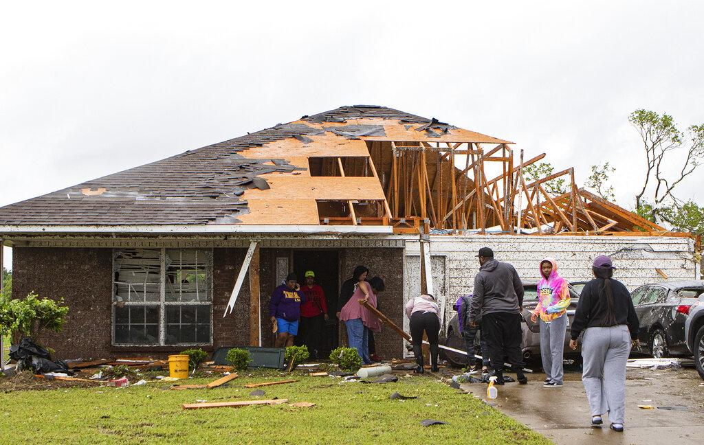 Una de las tormentas de este domingo en Estados Unidos causó daños en unas 200 a 300 viviendas. Foto