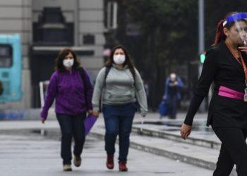 adnoticias-Capturan-a-una-mujer-con-coronavirus-que-escapó-de-un-hospital-en-Chile-2020-AFP