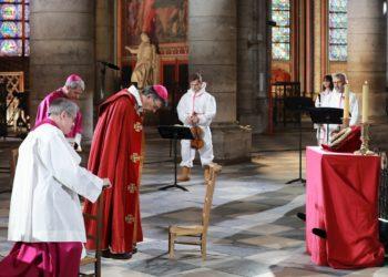 Catedral de Notre Dame completa un año derrumbada. Foto: EFE
