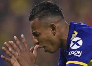 Mujer denuncia que Sebastián Villa la golpeó: el jugador de Boca se defiende