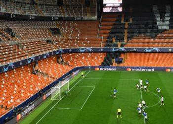 Liga de España retrasa pruebas de COVID-19 para los jugadores