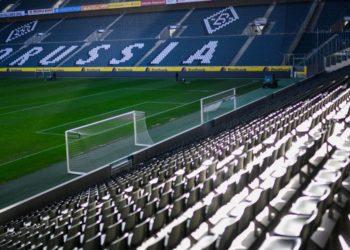 Jefe médico de FIFA no ve posible el pronto regreso del fútbol