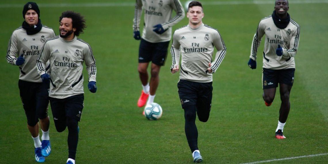 "James Rodríguez en la ""lista negra"" del Real Madrid, afirma prensa española"