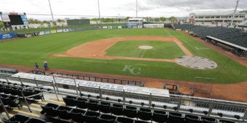 Equipo de MLB reporta peloteros sospechosos