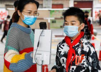 Autoridades chinas señalan que el COVID-19 está controlado pese al aumento del rebrote en Pekín