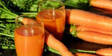 Jugo de zanahoria saludable