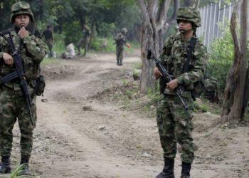 Ejército colombiano lanchas en Venezuela