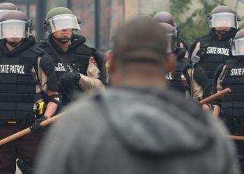 Donald Trump decreto Policía