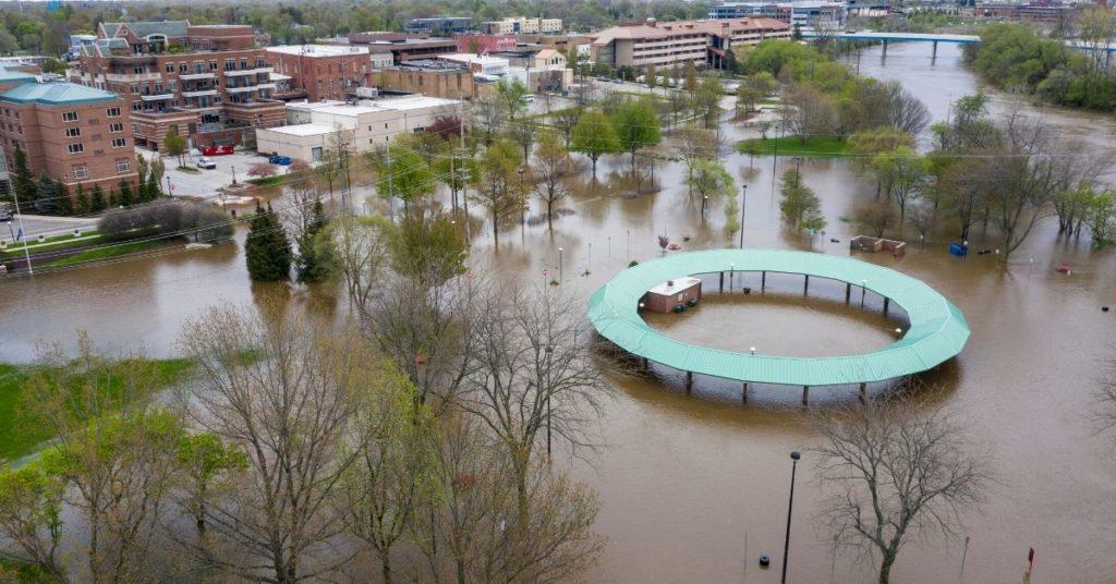 inundaciones en Michigan