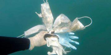 Mascarillas en el Mar Mediterráneo