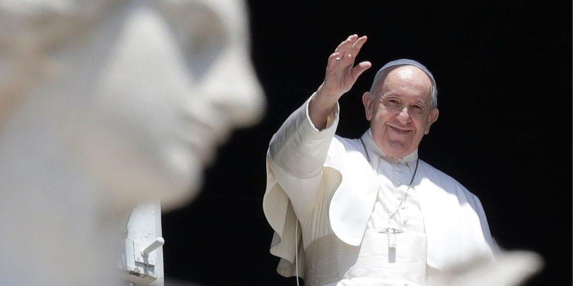 Papa Francisco pide construir