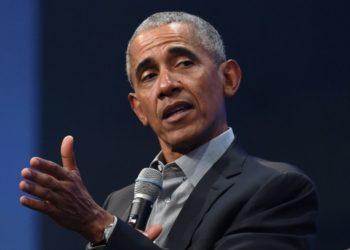Barack Obama critica gestión de Donald Trump
