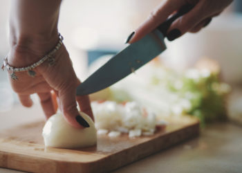 cortar cebolla sin llorar