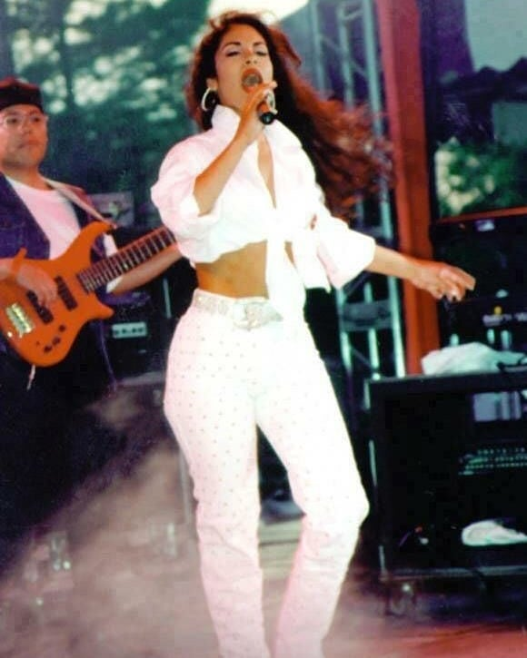 selena outfit