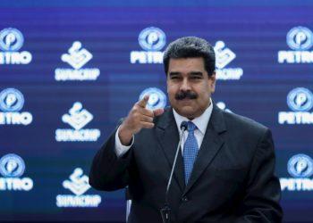 Maduro anuncia incremento de la gasolina