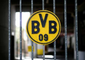 El derbi Dortmund-Schalke reanudará calendario de Bundesliga el 16 de mayo
