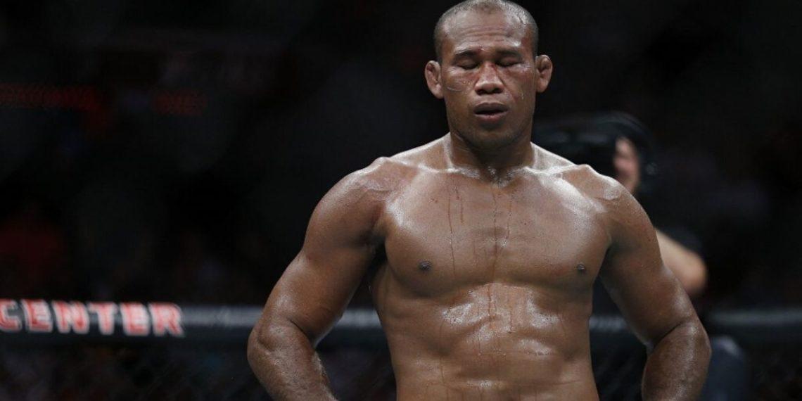 Peleador de UFC Ronaldo Jacare Souza da positivo por coronavirus