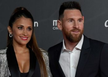 Nuevo video de Residente contiene apasionado beso de Messi y Antonella