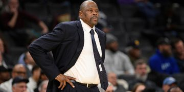 La leyenda de la NBA Patrick Ewing es hospitalizado por coronavirus