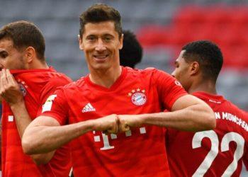 Goleada del Bayern Múnich al Fortuna pone en jaque al Dortmund