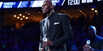 Robert Parish, uno de los pocos que se enfrentó al acoso de Michael Jordan