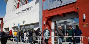 EE.UU. registra 1,87 millones de nuevos pedidos semanales de ayuda por desempleo