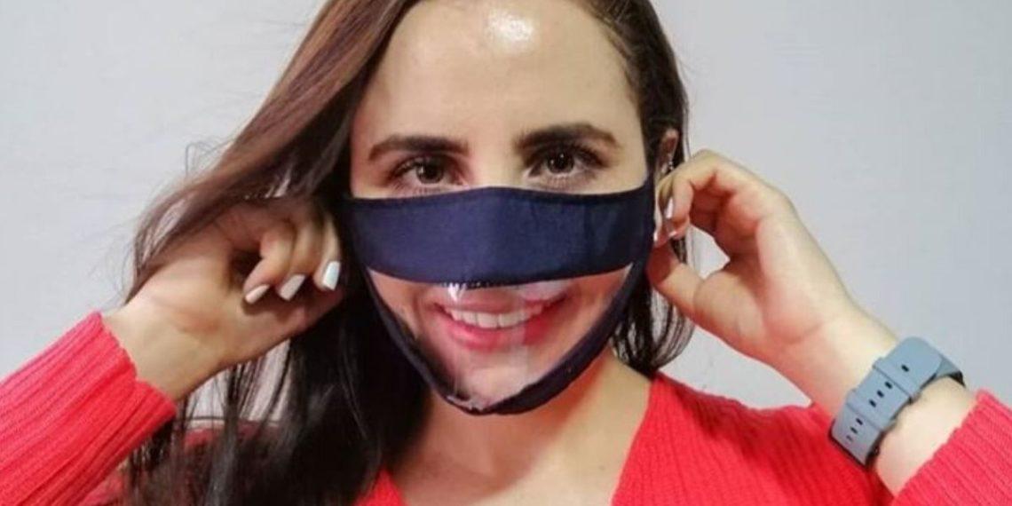 Este tapabocas permite leer los labios de las personas