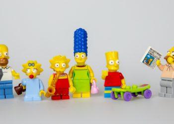Niño vende colección de Los Simpson
