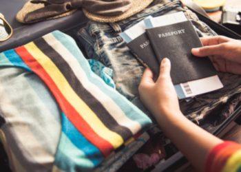 Maleta de mano: qué llevar y qué no llevar al momento de viajar. Foto: Freepik