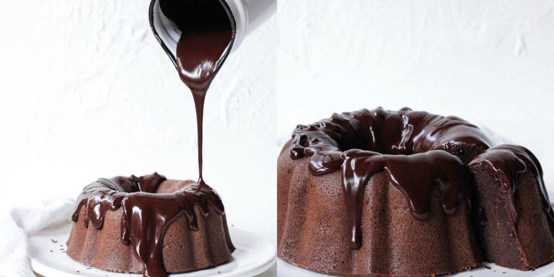 Torta de chocolate con baño de chocolate