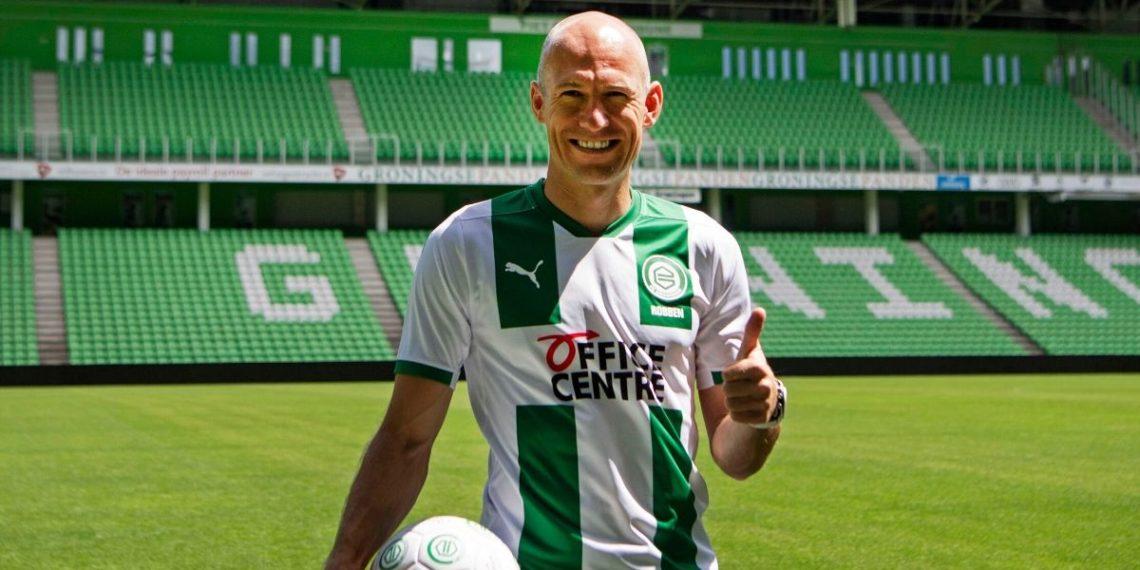Robben anunció que continuaría su carrera como futbolista profesional con el amor de la infancia FC Groningen