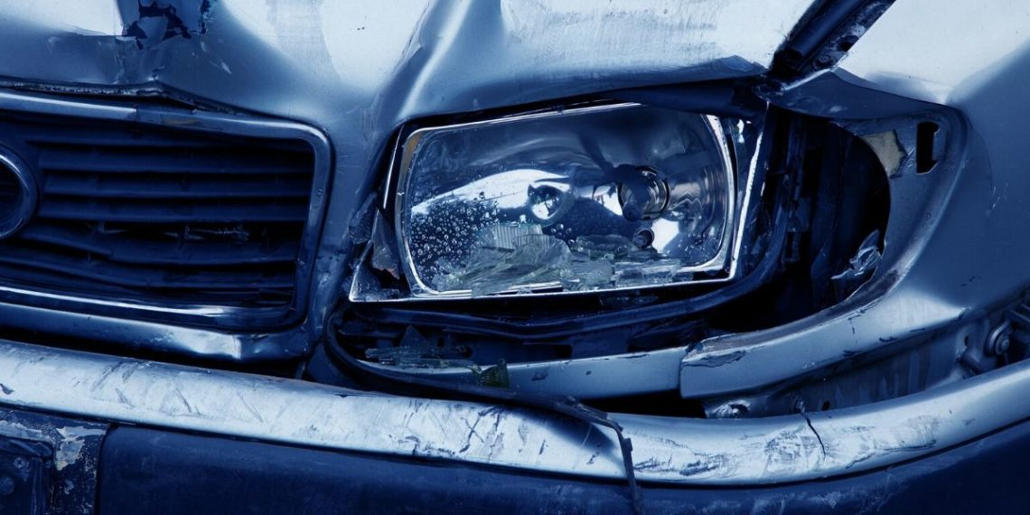 Imagen de referencia de carro que se chocó en un accidente. Foto: Pixabay