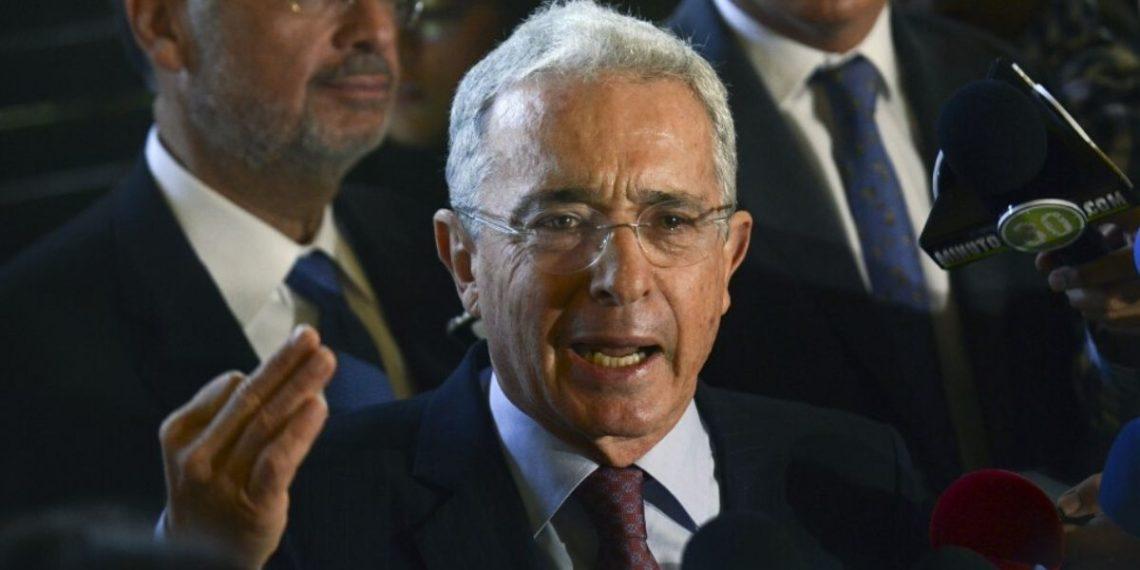 indagación contra Álvaro Uribe