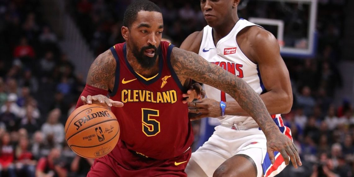 J.R. Smith golpeó a manifestante blanco en Los Angeles