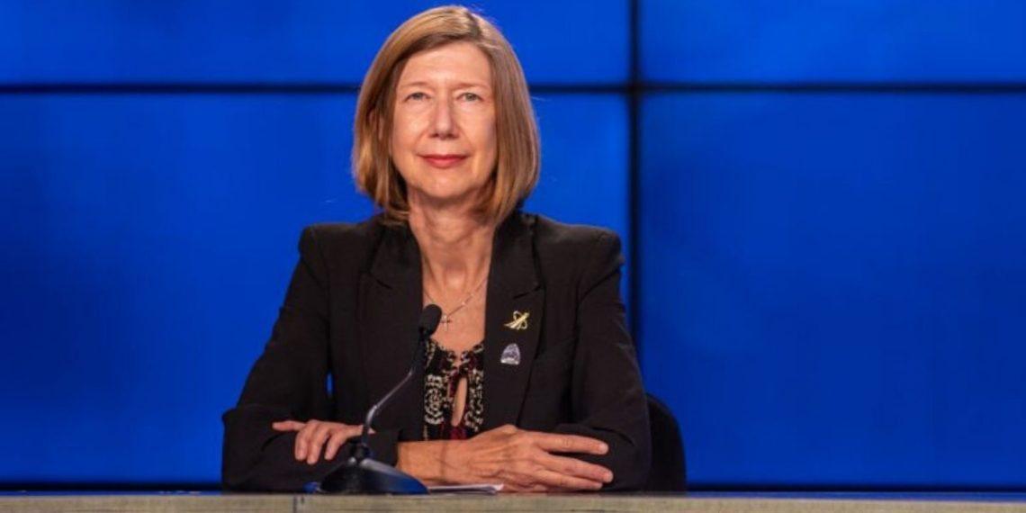 Kathy Lueders, la primera mujer seleccionada por la NASA para dirigir los vuelos tripulados. Foto: NASA