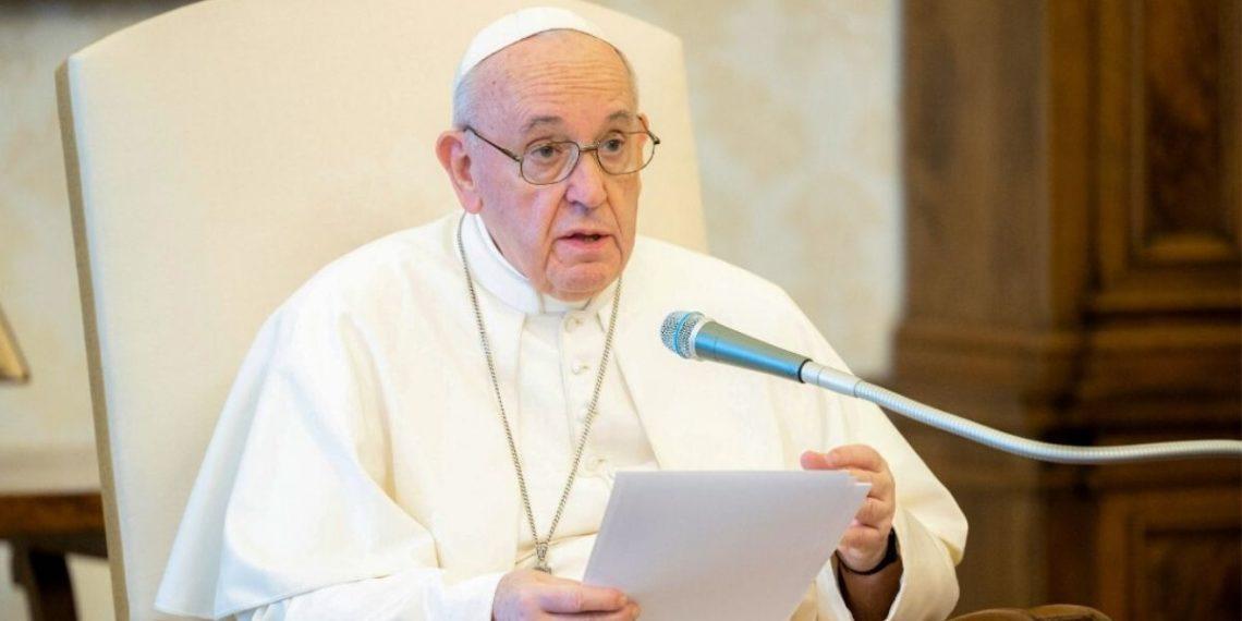 el vaticano asegura que no aprueba la unión entre homosexuales