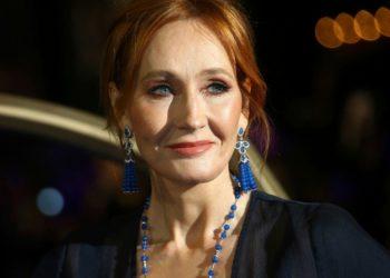 J. K. Rowling acusada de transfobia