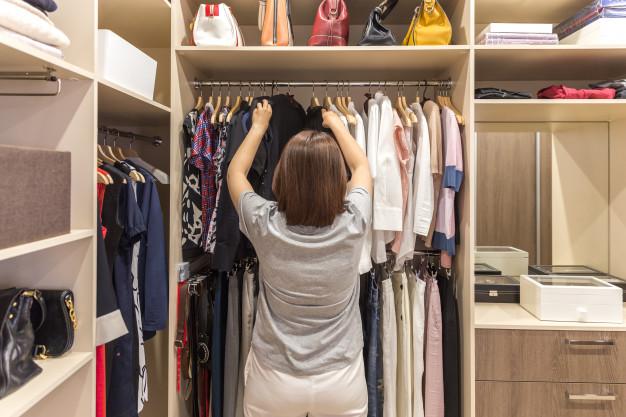 acomodar la ropa