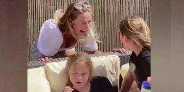 enfermera se recuentra con sus hijas en la pandemia
