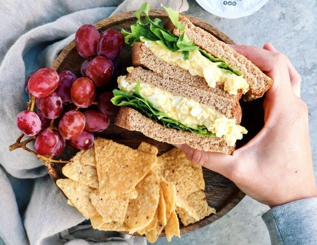 Sándwich con huevo