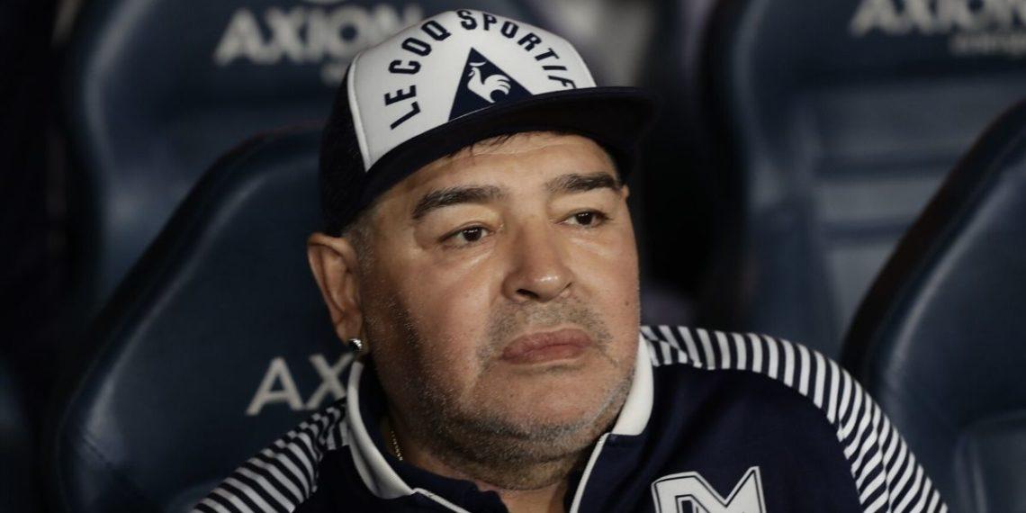 Maradona y Gimnasia y Esgrima La Plata seguirán juntos en liga argentina