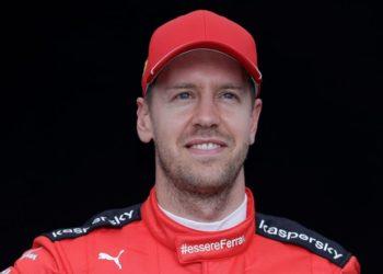 """Webber sobre Vettel: """"Ferrari lo desgastó, parece mayor de lo que es"""""""