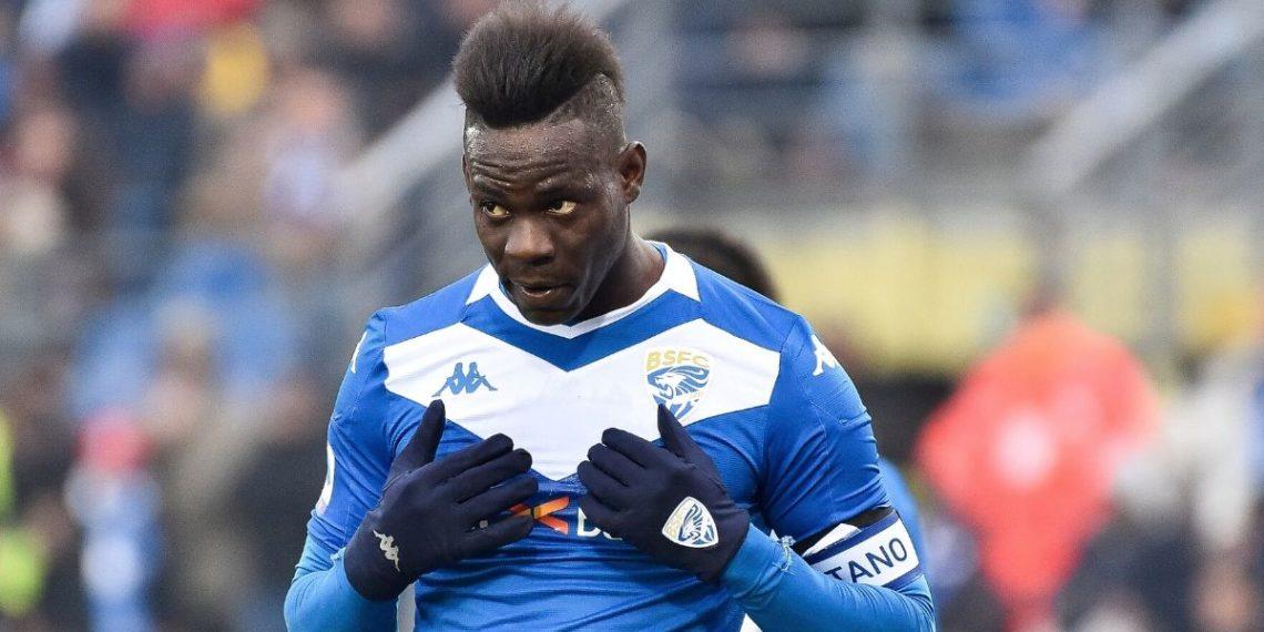 """Brescia despide a Mario Balotelli por un """"dolor de estómago"""""""