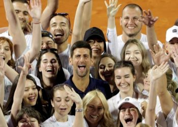 Djokovic tiene coronavirus y su esposa también se contagió