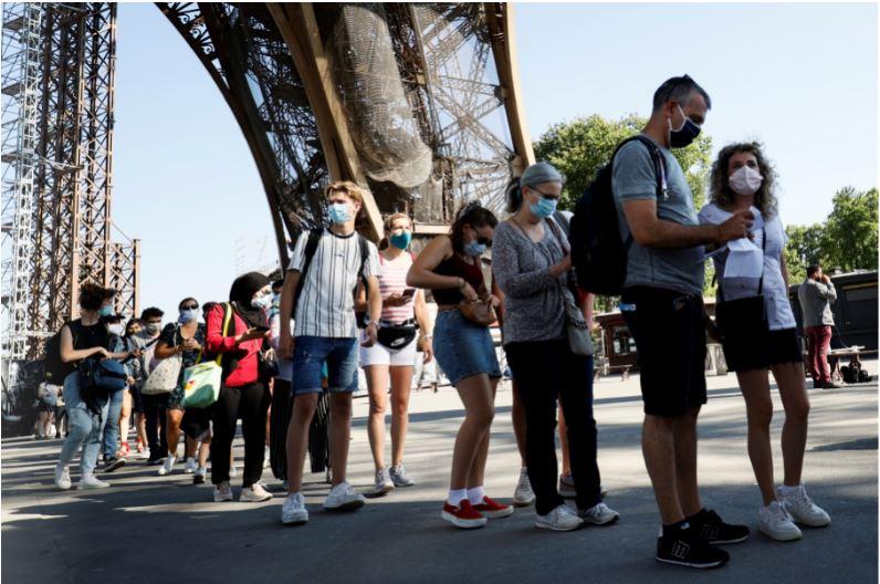 Visitantes a la Torre Eiffel