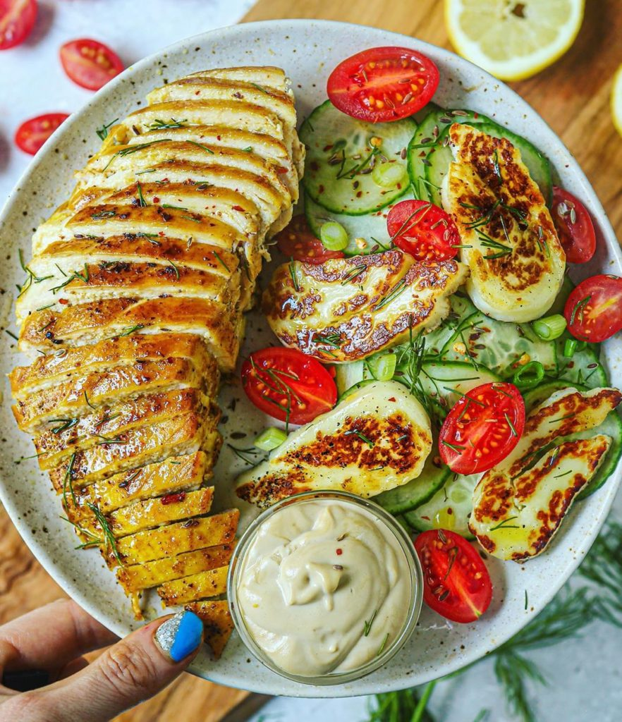 Pechuga de pollo con ensalada